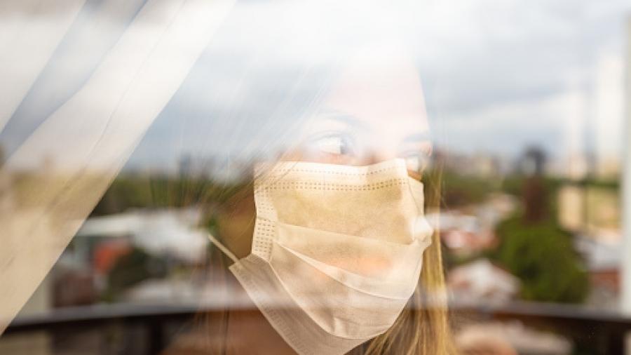 Quarantine girl in her apartment due to the cororavirus epidemic